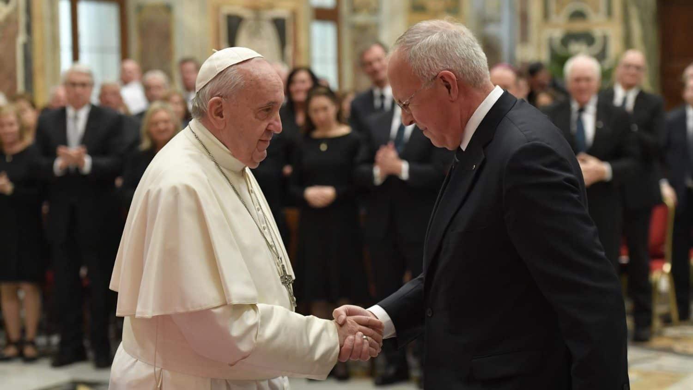 Pope Francis greets Supreme Knight Carl Anderson